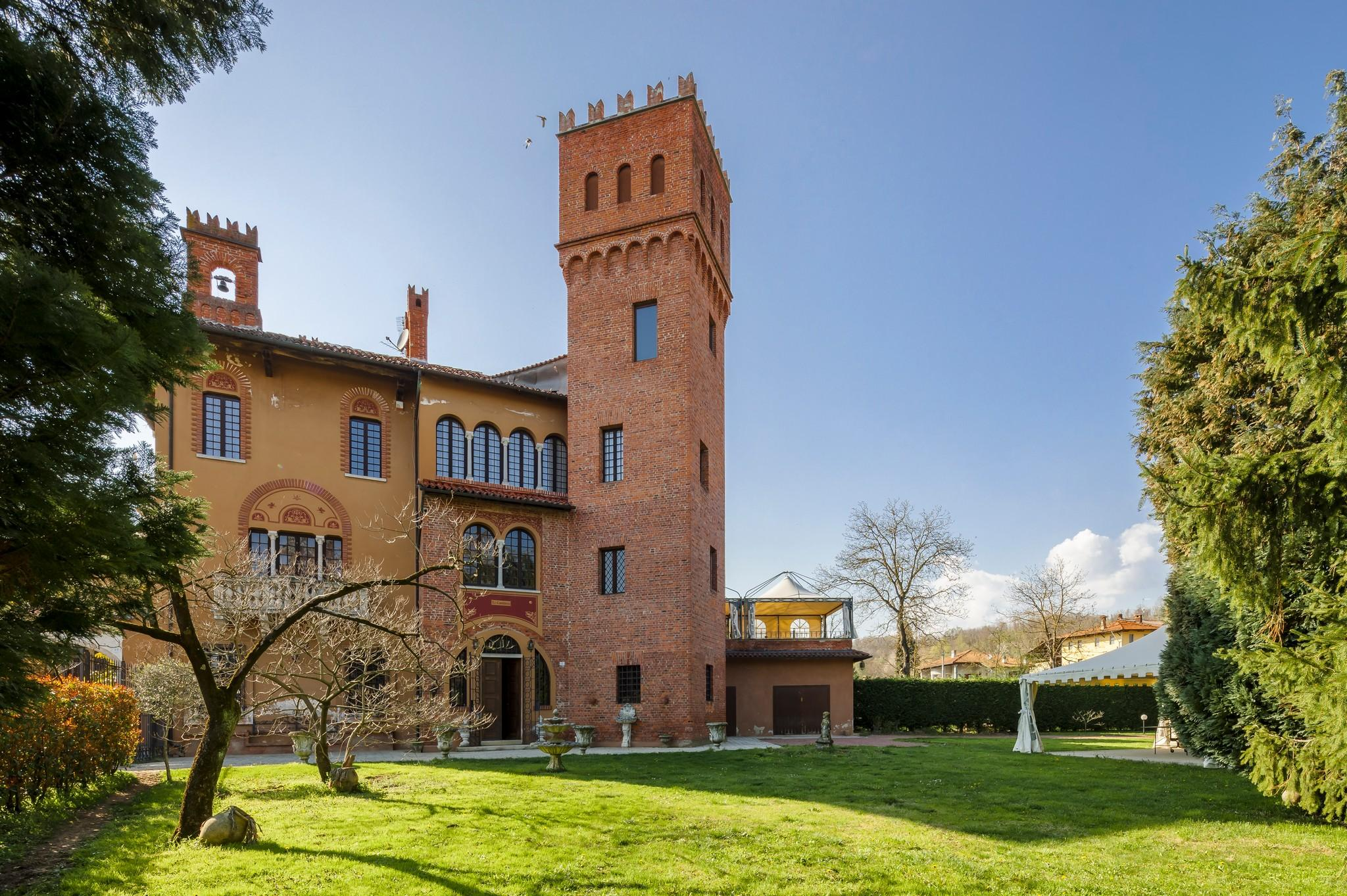 Castelli in Vendita e Affitto in Italia | Italy Sotheby's Realty - sothebys.photo 1